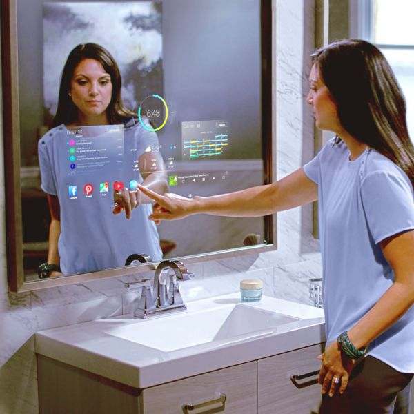 Woman Bathroom Mirror M